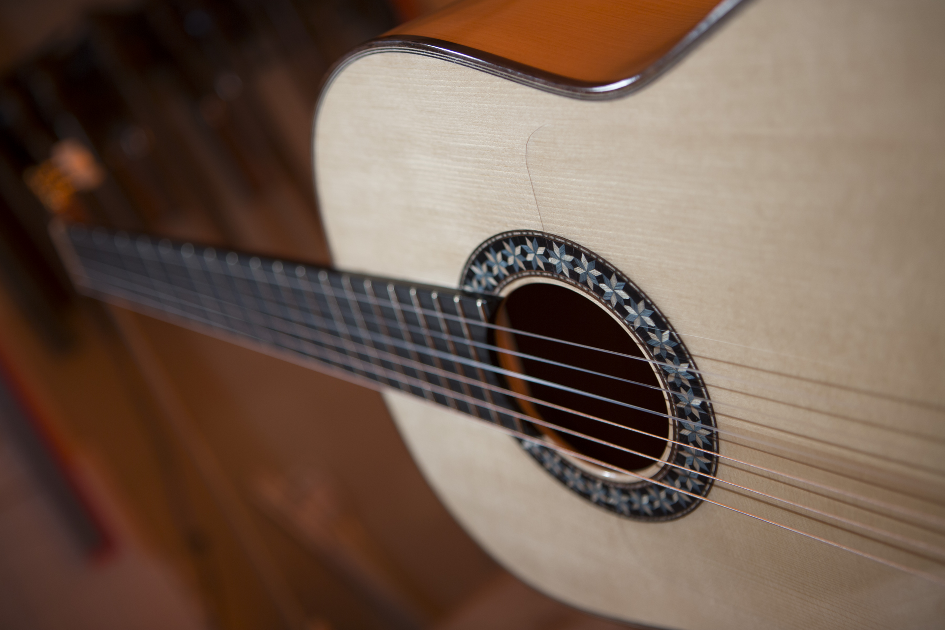 How does a Flamenco guitar sound to play classical music?